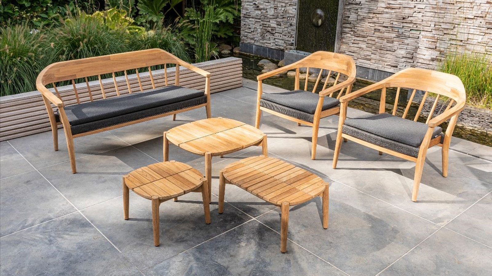 OASIQ Copenhagen outdoor lounge furniture
